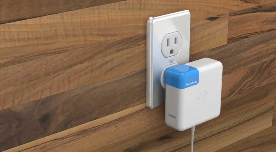 Blockhead – der 'Seitwärts'-Adapter für Apple Netzteile