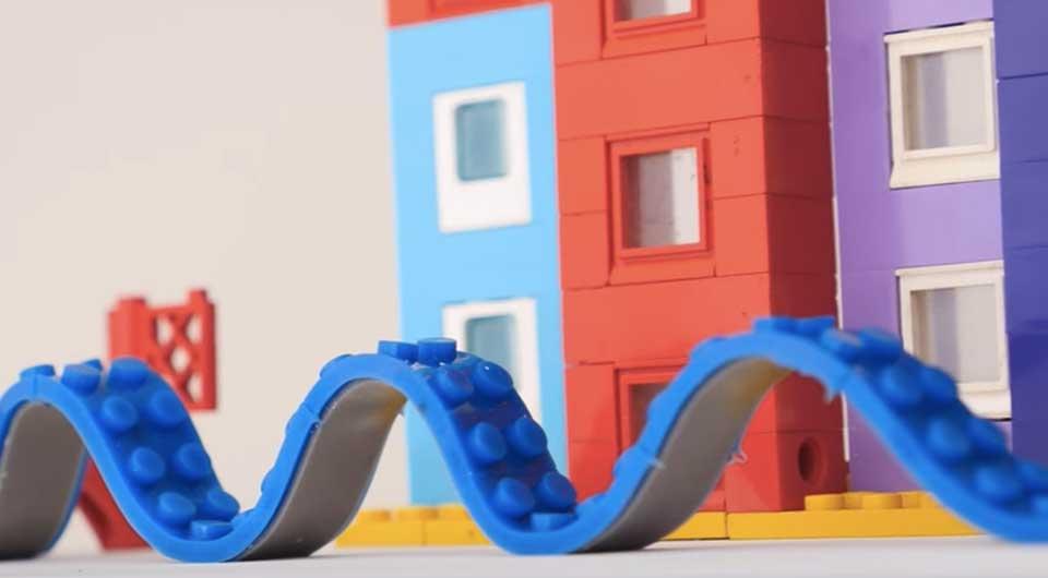 Jetzt kannst du LEGO Steine überall hin bauen – dank Lego Tape